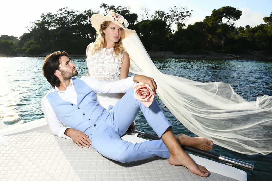 costume de mariage bleu ciel
